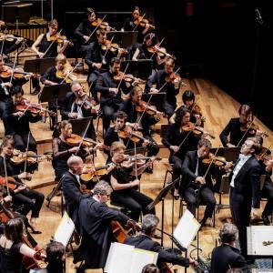 Swing Lenny : pour vivre le classique autrement !  / Orchestre de Paris - Lucas Macías Navarro - Bernstein