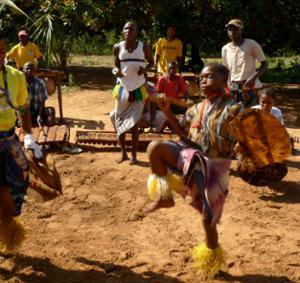Danses rituelles d'Ouest en Est
