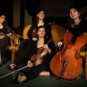 D'Ouest en Est / Quatuor Akilone