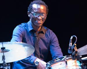 Roger « Kemp » Biwandu New Trio