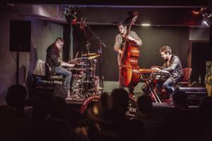 Alexis PIVOT Trio