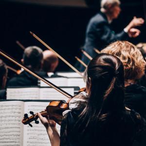 Comment former les jeunes musiciens au métier d'orchestre ?