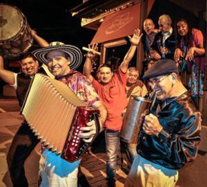 Bal Latino  : Raspafly (Live) + Groovalizacion DJs + MVDV (DJ)