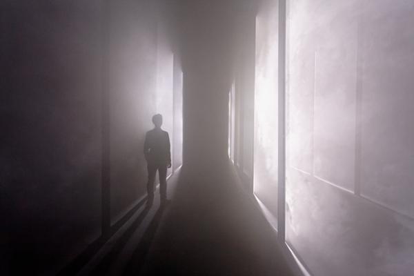 Heureux soient les fêlés, car ils laisseront passer la lumière - Olivier Ratsi